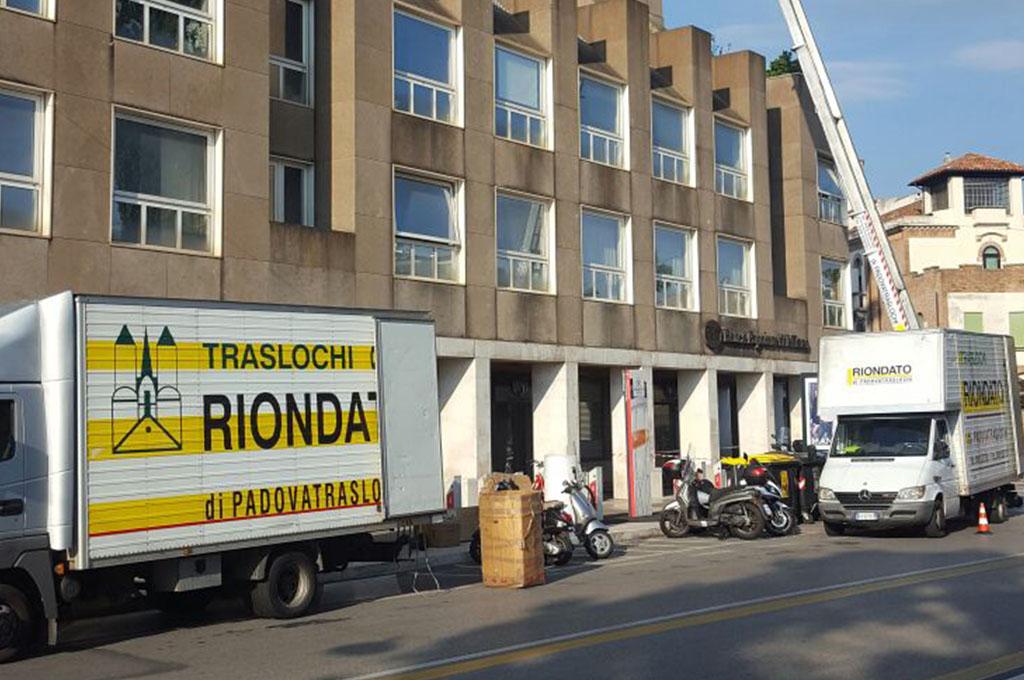 Montaggio e smontaggio mobili per traslochi a padova traslochi riondato - Smontaggio mobili ...